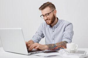Laptopy to urządzenia, które cieszą się ogromną popularnością